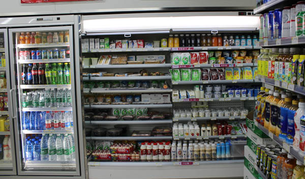 学校士小超市加盟多店